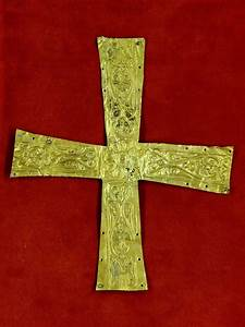 Pectoral cross - Wikipedia