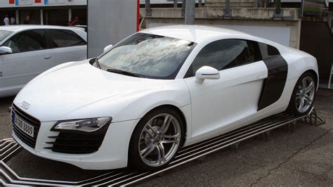 Browse the pictures and technical data sheets with all the details of the design and performance of ferrari models. Audi R8 | Audi r8 v10, Audi r8, Audi