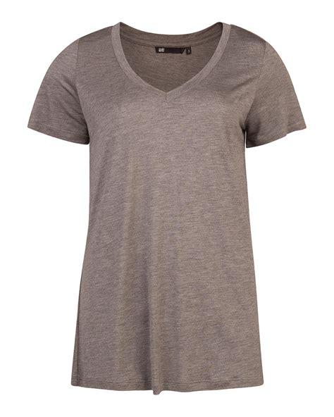 shirt v ausschnitt damen damen t shirt mit v ausschnitt 79211208 we fashion