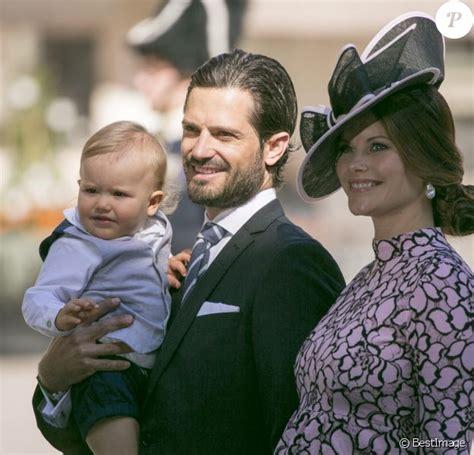 Sofia enceinte et Madeleine, radieuses en famille pour ...