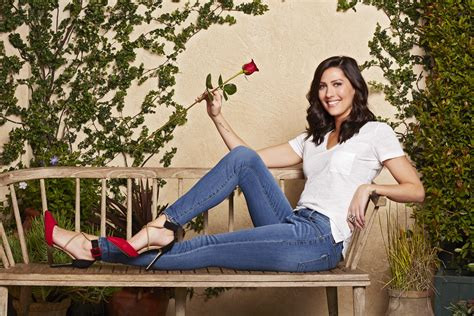 Bachelorette Becca Kufrin Looks for Love, Finds a Chicken