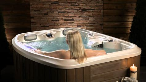 who are the three in the tub the spirit tub by marquis