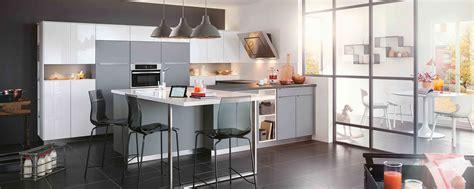 exemple de cuisine en u cuisine moderne ambiance mobalpa