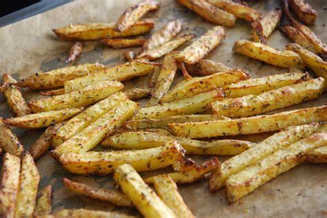 frites maison au four frites l 233 g 232 res maison au four chezmaya