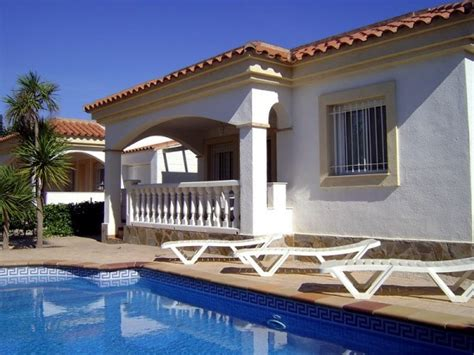 chalet avec 3 chambres et piscine priv 233 e 15445001 location et vacances