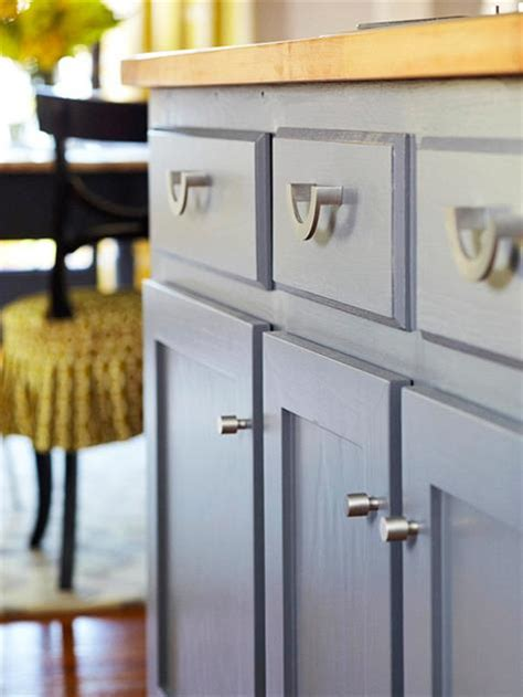 update kitchen cabinet hardware 12 diy projects to update your home in 2017 6672