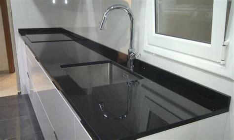 encimera cocina granito negro brillante marmoles erypa