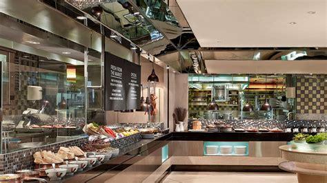 international buffet restaurant  kowloon  langham hong kong