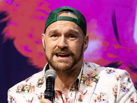Tyson Fury vs Deontay Wilder: Briton makes prediction for ...