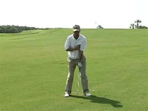 how to swing a golf club how to swing a golf club how to hit 40 to 60 yard wedge