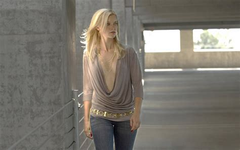 amy smart  hd wallpaper high quality wallpapers