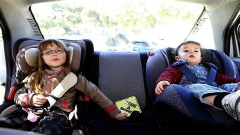 quel siège auto pour bébé sièges auto pour enfant en voiture découvrez quel type