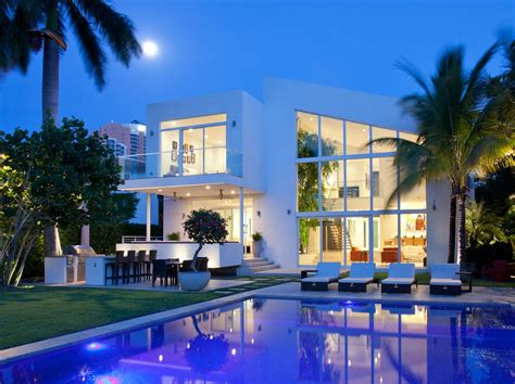 contemporary family house  golden beach florida