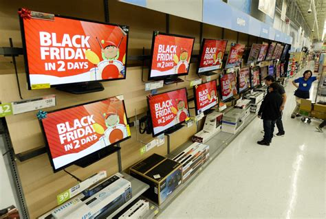 black friday shopping takes hold  canada  star