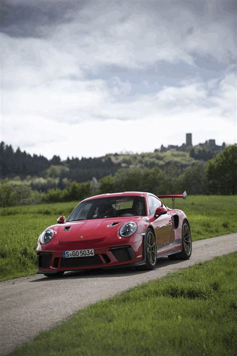 Are they cutting costs already ? 2018 Porsche 911 ( 991 type II ) GT3 RS #481182 - Best quality free high resolution car images ...