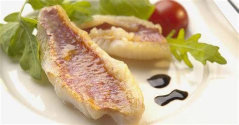 cuisiner des rougets recette filets de rougets au pineau blanc des charentes