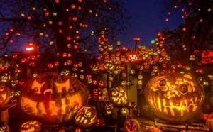 Halloween In Amerika : top 10 cities to celebrate halloween in usa ~ Frokenaadalensverden.com Haus und Dekorationen