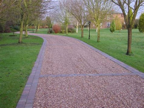 driveway edging gravel driveway edge idea house gravel drive edge pinterest gravel driveway driveways and