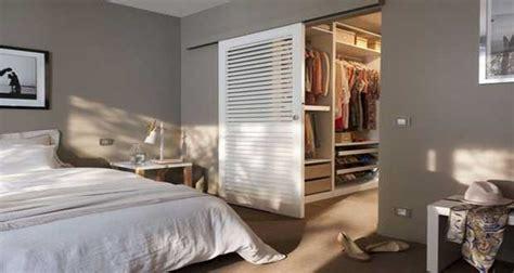 dressing dans une chambre déco chambre 10 dressing futés dans la chambre parentale