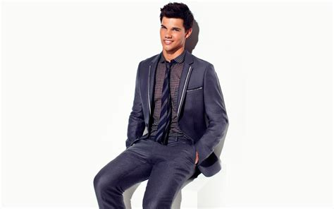 3840x2400 Taylor Lautner In Suit Smiling wallpaper UHD 4K ...