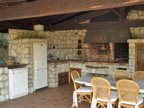 la cuisine d et villa piscine privée vue mer à antibes alpes maritimes
