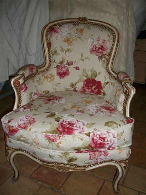 recouvrir canapé relooking fauteuil louis xv grain de folie creation