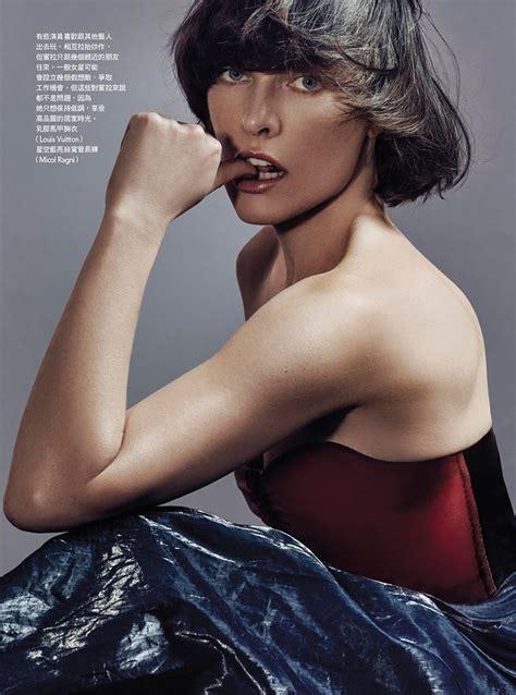 milla jovovich   statement making styles  vogue taiwan fashion  rogue
