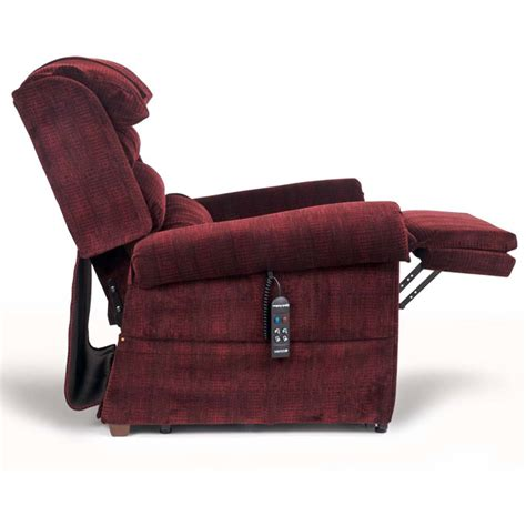 maxicomfort relaxer lift chair by golden technologies