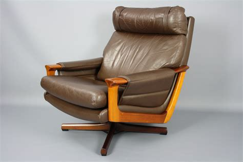 Mid Century Tessa T21 Leather Swivel Chair Armchair Retro