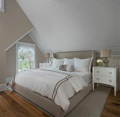 couleur gris perle pour chambre excellent lit couleur grise linge de lit blanc parquet en