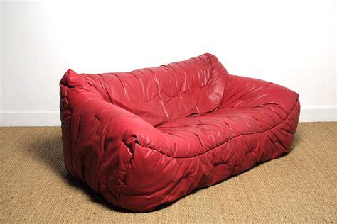 canap bordeaux hans hopfer canapé en cuir informel sofa mg galerie