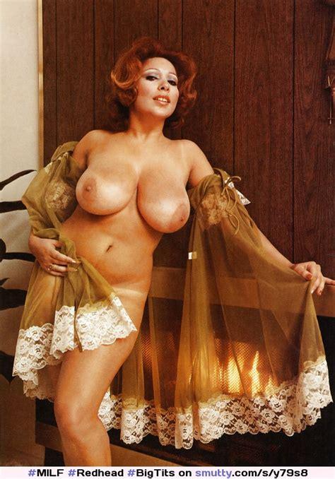 MILF Redhead BigTits Curvy Thick Bodacious