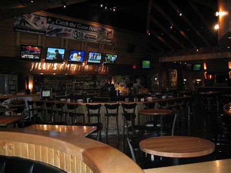 The wait is finally over for phoenicians who've been wondering when the doors at sip coffee & beer garage would open for business. BEST SPORTS BAR, SOUTHEAST VALLEY | Jilly's American Grill | bars-and-clubs | Best of Phoenix ...