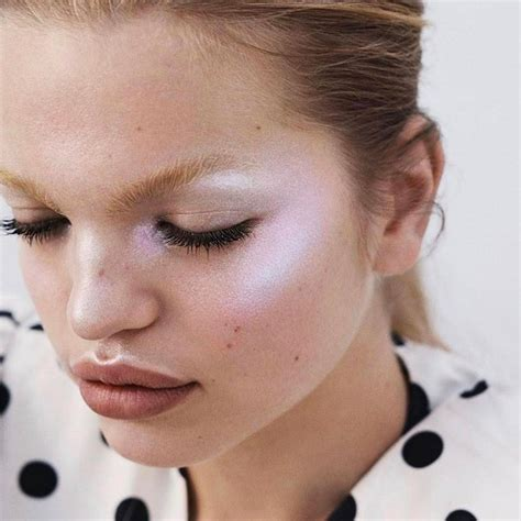 Holographic Makeup How To Pull Off This Futuristic Beauty Trend On Your Wedding Day Brides