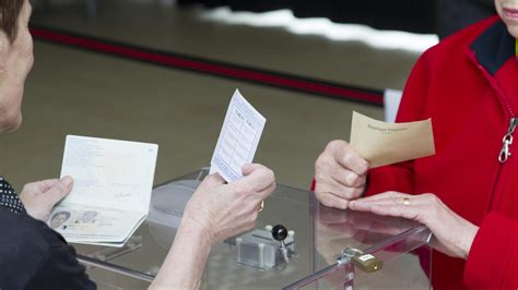 bureau de vote tours législatives les bureaux de vote ont ouvert pour le