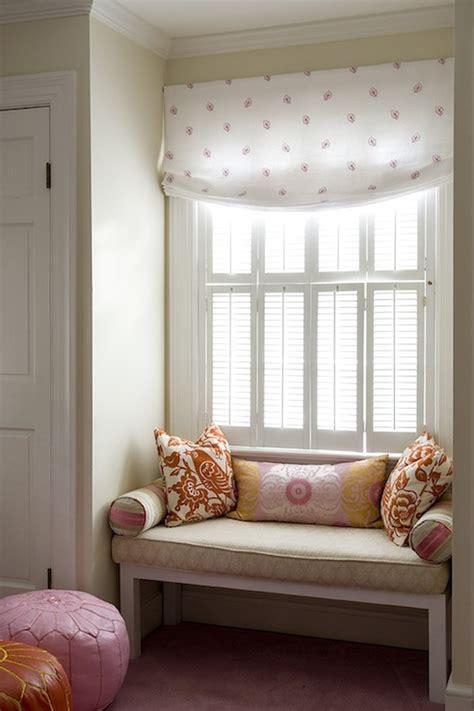 cool window seats  bookshelves design ideas