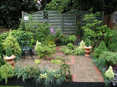 small garden ideas design photograph courtyard garden desi