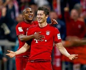 Bayern's Lewandowski scores 5 goals in 9 minutes! - Rediff ...