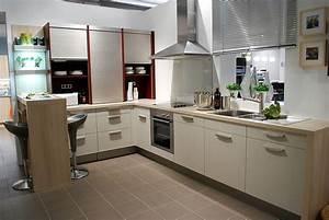 Küchen L Form Mit Theke : strukturbeige k che mit theke ~ Bigdaddyawards.com Haus und Dekorationen