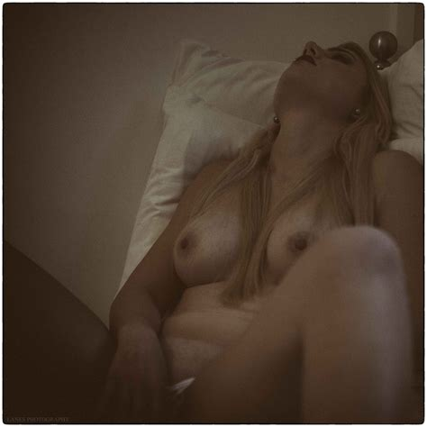 Blonde Elle Nude 40 Pics Sexy Youtubers