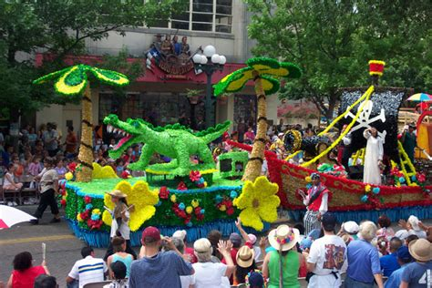 Parade Float Decorations In San Antonio New Page 1 Www Valleydecorating