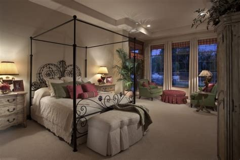Mediterranes Schlafzimmer by 34 Bedrooms With Canopy Beds