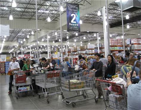 costco warehouse shopping the busiest costco in the world iwilei oahu is it packed real time crowd tracking