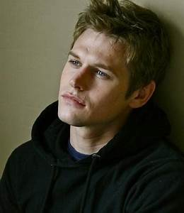 Picture of Zach Roerig
