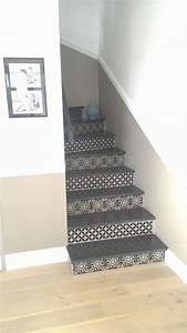 Escalier Carreaux De Ciment : photo l 39 escalier est termin avec ses stickers carreaux de ~ Dailycaller-alerts.com Idées de Décoration