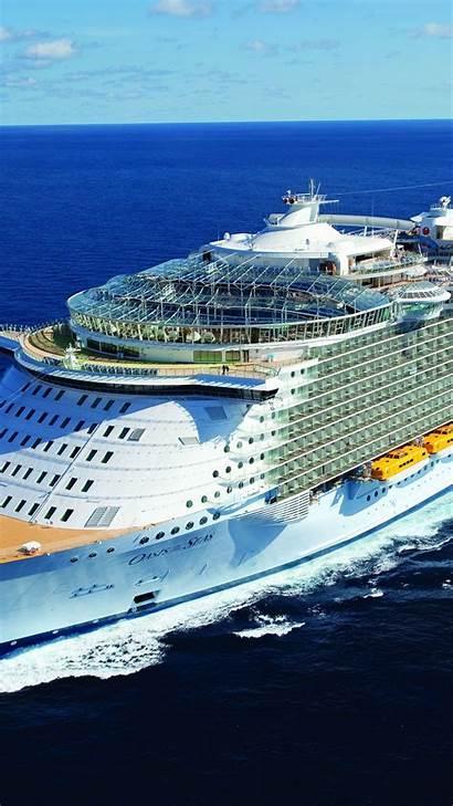 Seas Swirl Cruise Ship Oasis 6s Parallax