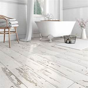 29 vinyl flooring ideas with pros and cons digsdigs for Fitting lino in bathroom
