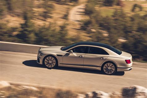bentley calls  flying spur worlds  luxury sedan