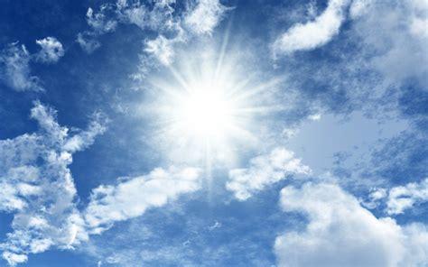 Résultat d'images pour soleil et nuages