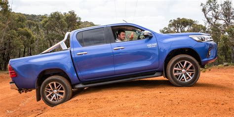2016 Toyota HiLux SR5 Review - photos | CarAdvice